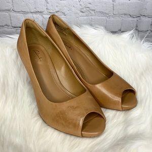 NEW Clark's Artisan Leather Peep Toe Heels Pumps